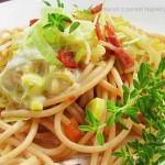 Spaghetti z porem i sosem z mozzarelli