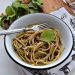 Spaghetti z pesto z botwinki