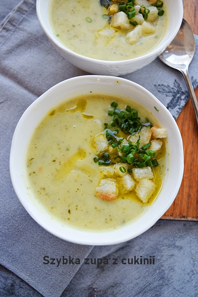 Szybka zupa z cukinii i kalafiora