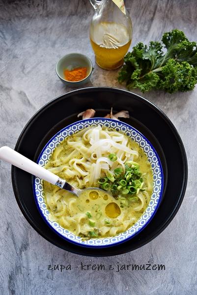 Zupa  z jarmużu i pora
