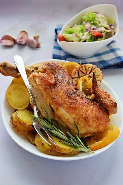 Kurczak Zagrodowy z ziemniakami - obiad z piekarnika